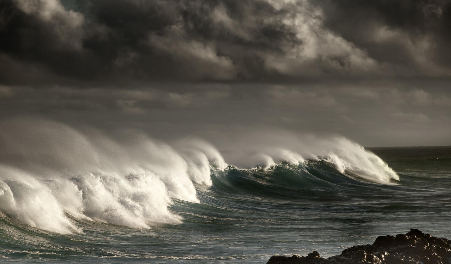 Waves of Maui